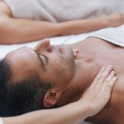 couple-enjoying-massages
